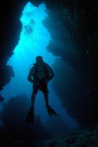 immersione in grotta subacquea Gozo