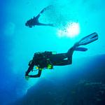 diving diver ocean dropoff